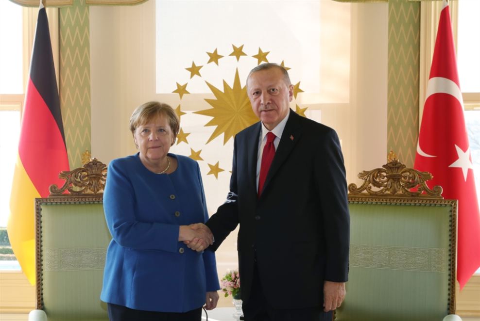 أردوغان يستقبل ميركل... ويدعو لزيادة الضغط على حفتر