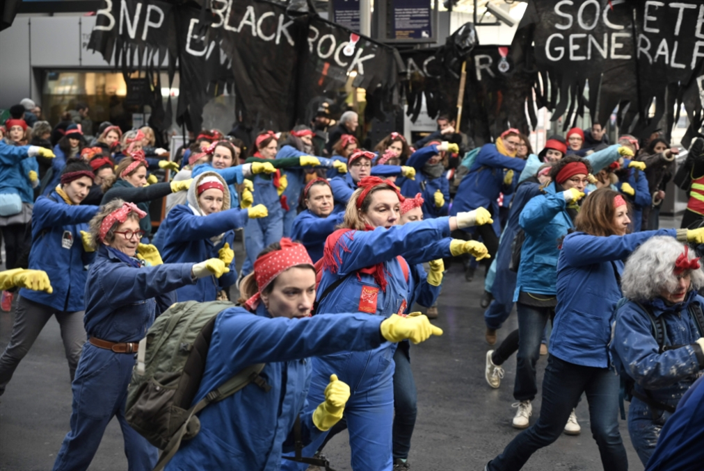 باريس تحيل مشروع «التقاعد» إلى البرلمان رغم ضغط الشارع