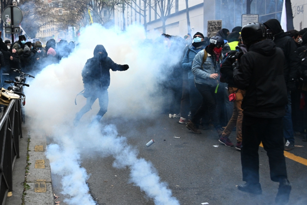غضب عام في فرنسا: عودة «الكتلة السوداء»