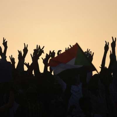 السودان   المدنيّون «يستفيقون» إلى وجودهم: «مجلس الشركاء» خطوة انقلابية