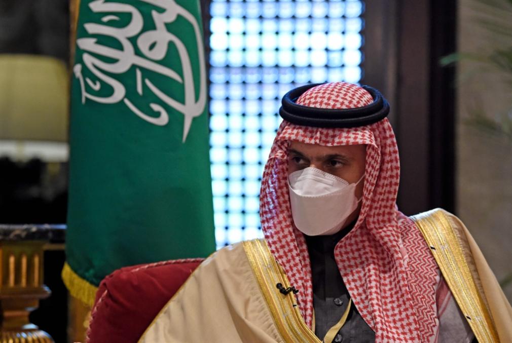 قطر تعود إلى حضن العائلة: اتحاد خليجي لمواجهة إيران