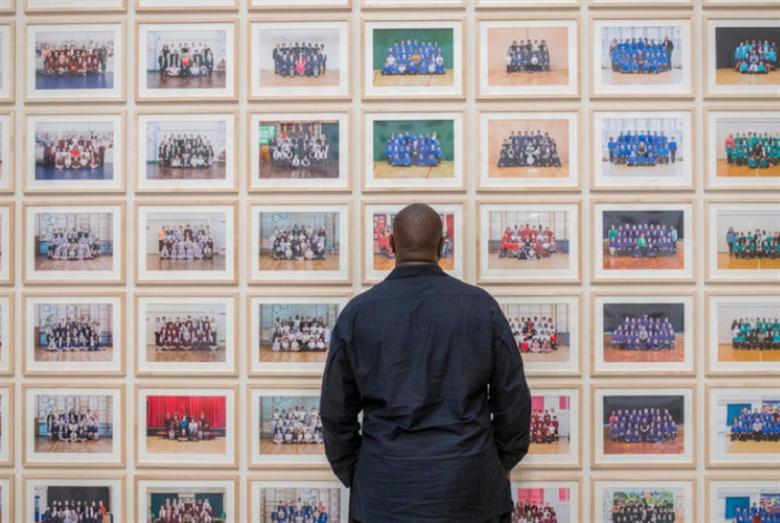 ستيف ماكوين يعود إلى الفن من بوّابة «تيت مودرن»