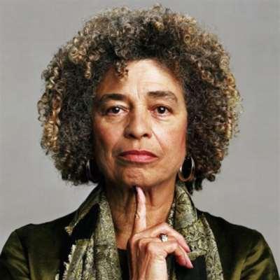 أنجيلا ديفيس: أيقونة الثورة السوداء  مع كل «فلسطينيّي» هذا العالم