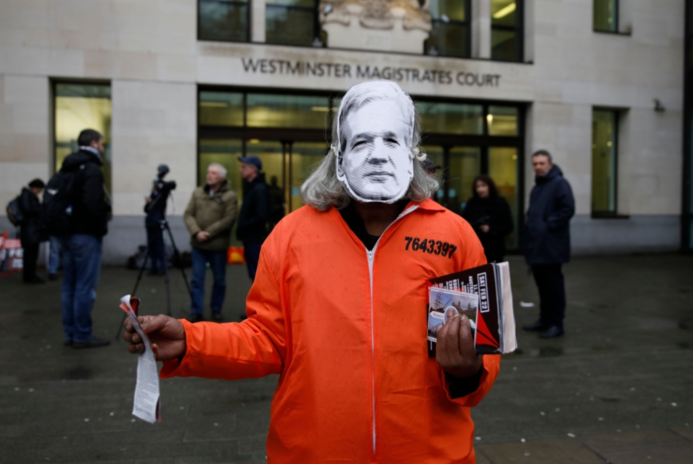 الجريمة البريطانية لم تنتهِ: أسانج يواجه موته البطيء