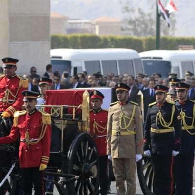 سلامٌ بارد بين السيسي ونجلَي مبارك: جنازة «أسطورية» للمخلوع!