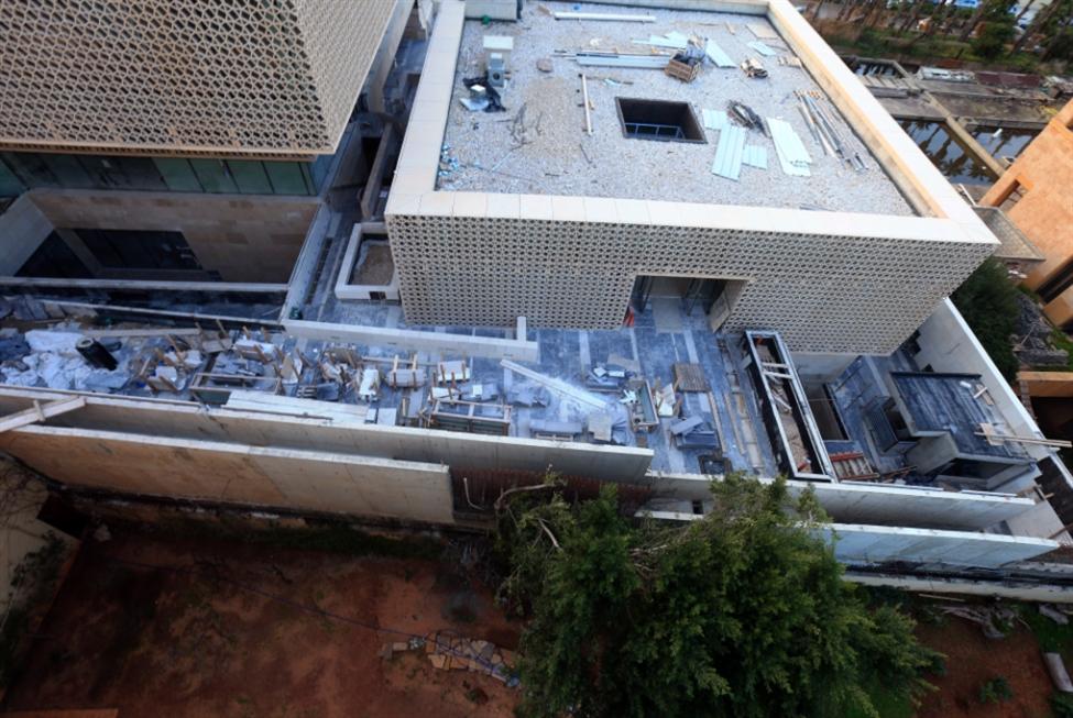 محافظ بيروت «يُهدي» سفارة الإمارات «تصوينة» بارتفاع 8 أمتار