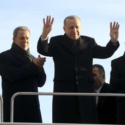 أردوغان يطالب بانسحاب الجيش السوري... والأخير يحاصر نقطة مراقبة تركية جديدة
