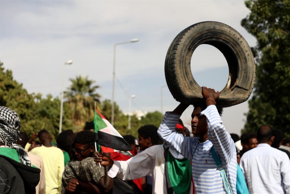 السودانيّون لا يصدّقون مماحكات السلطة: صفقة التطبيع خاسرة