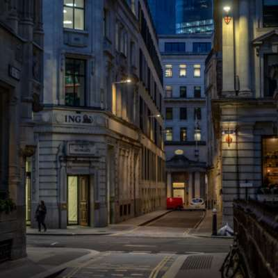 مصوّرو «نيويورك تايمز»: العزلة سبيلا للخلاص | مدن صاخبة يلفّها «الفراغ الكبير»