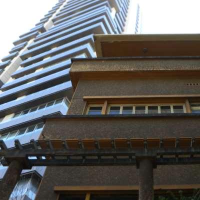 من معالم الحداثة المعمارية في بيروت: مَن المسؤول عن جريمة هدم «مبنى رزق»؟