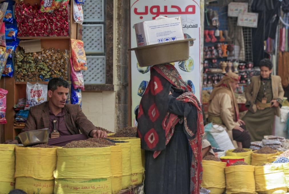 شراء الولاءات القبليّة متعثّر: استماتة سعودية لمنع سقوط مأرب