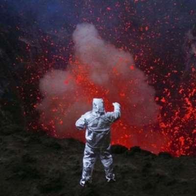 فرنر هيرتزوغ على فوهة... البركان!