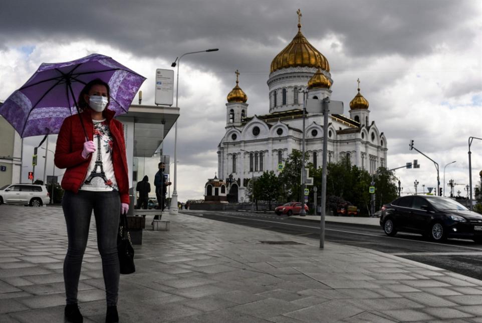 روسيا تخفّف إجراءات العزل: سياسة تكثيف الفحوص تُثمر؟