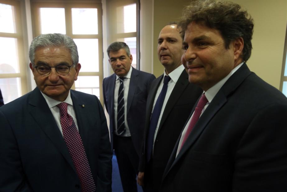 معركة توزيع الخسائر تحتدم: المصارف تلوم السياسيين والمودعين... وسائر اللبنانيين!