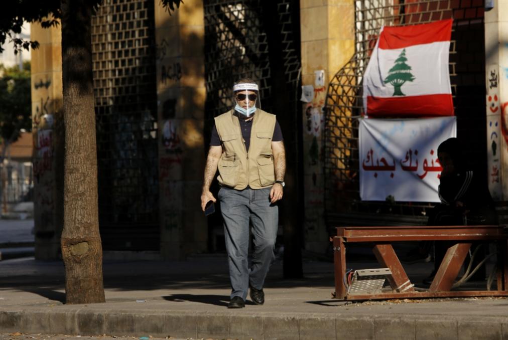الانتفاضة تربك الحكومة و«المعارضة»: حزب الله يطمئن دياب والحريري