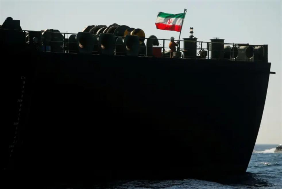 السفن الإيرانية تعبر «السويس» بلا قيود