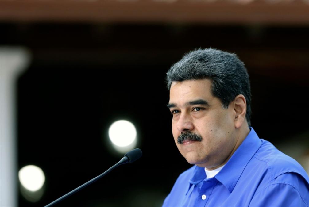 مادورو: مستعدّ لإجراء استفتاء حول التنحّي عن الرئاسة