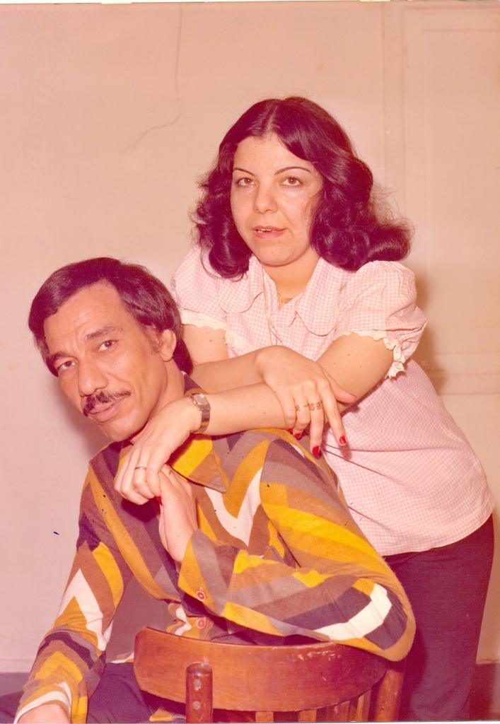 مع زوجته عبلة الرويني