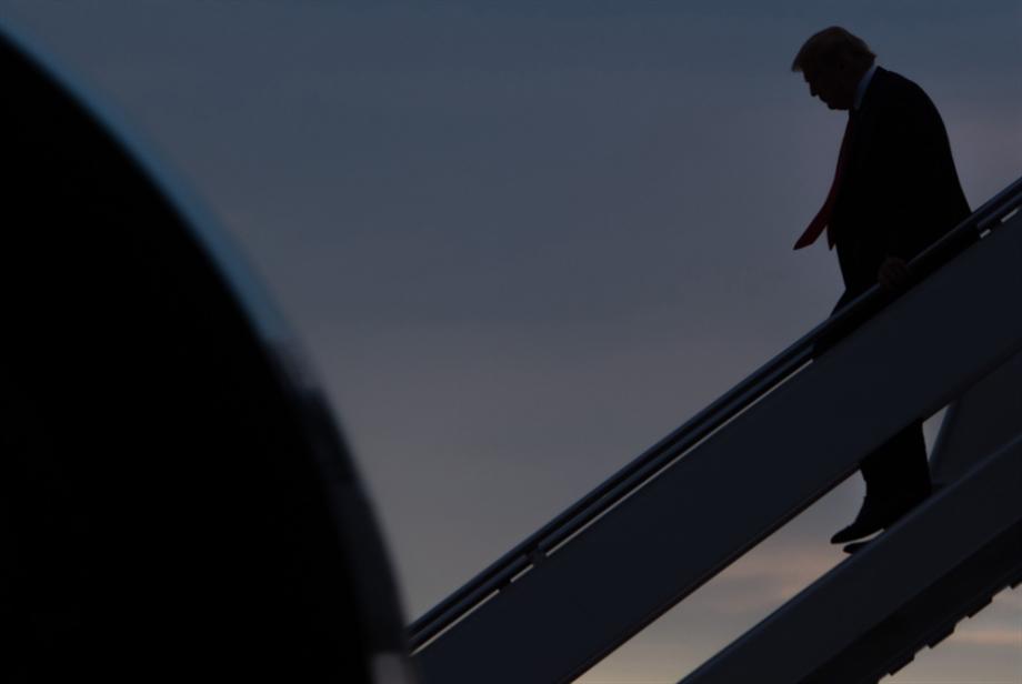 مذكرة إيرانية تطالب «الإنتربول» باعتقال ترامب
