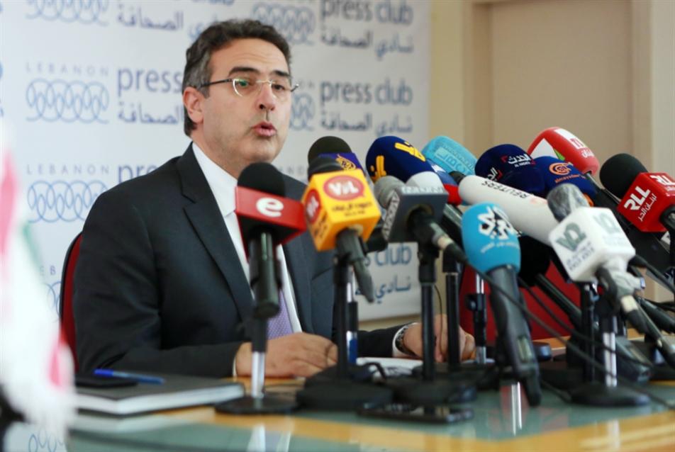 استقالة ألان بيفاني: نهاية انتفاضة مدير عام