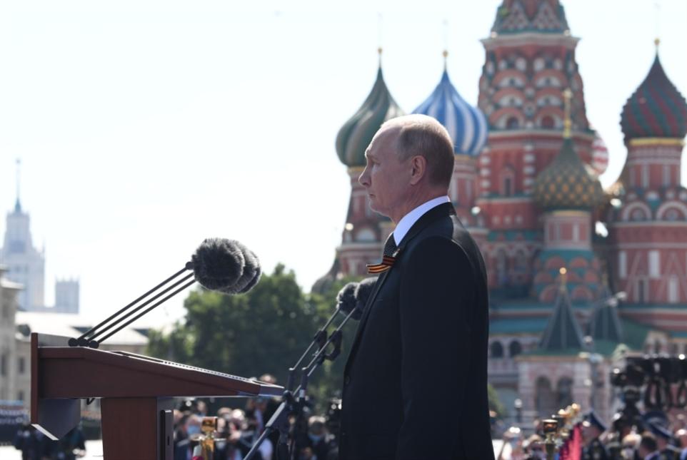 التصويت يختتم غداً: استفتاءٌ على بوتين... لا الدستور