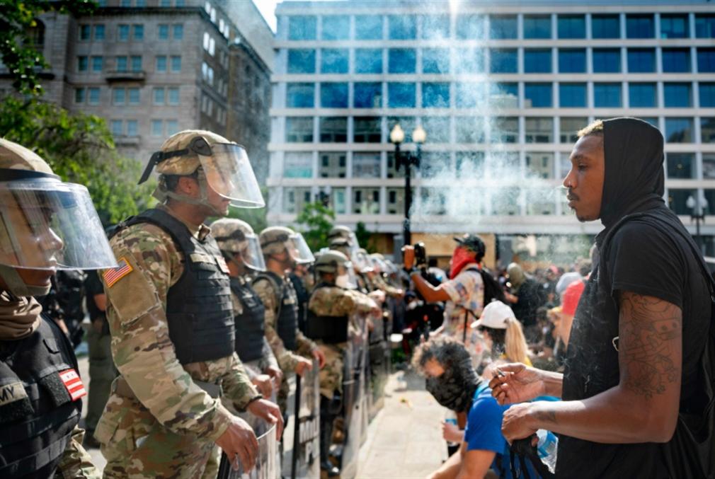 زخم الاحتجاجات يتصاعد رغم الحظر: البنتاغون يكبح جماح ترامب