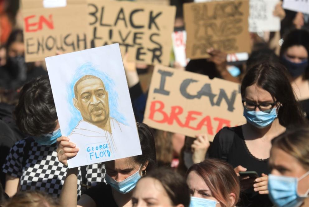 جنازة حاشدة لفلويد وسط استمرار التظاهرات