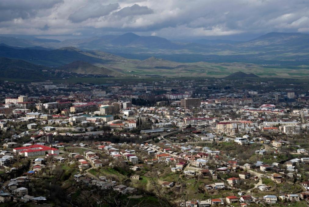 قتلى وجرحى في اشتباكات بين أرمينيا وأذربيجان