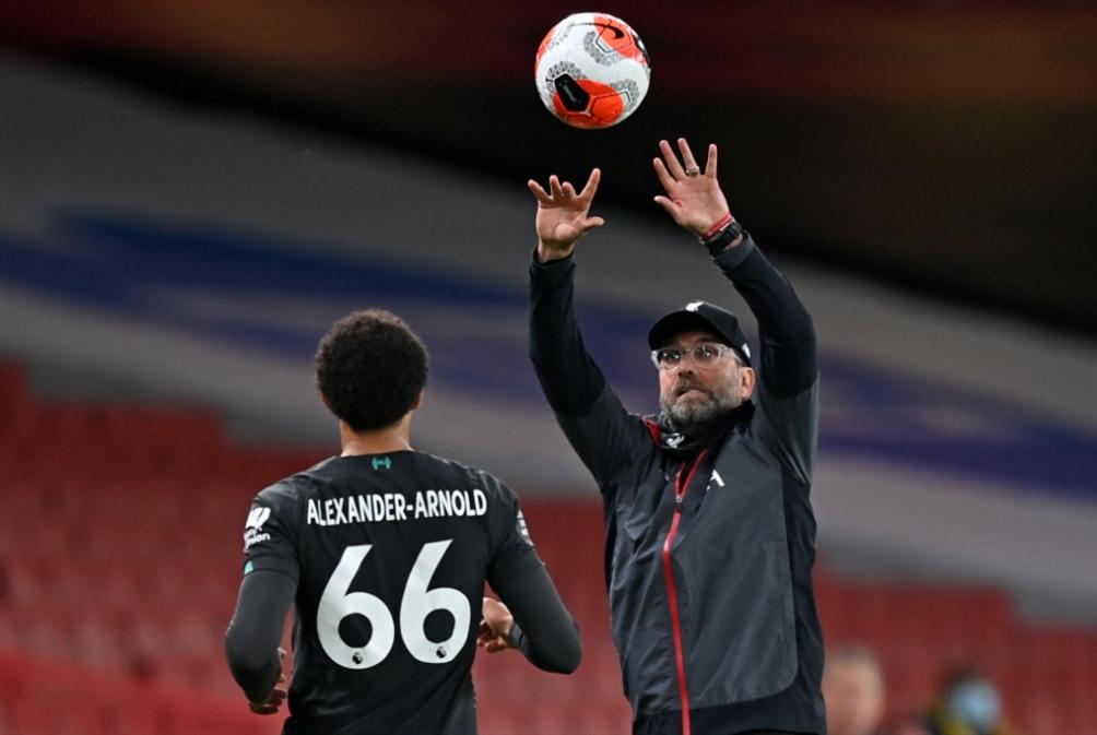 ليفربول يتحضّر للتتويج ومصير يونايتد بيده