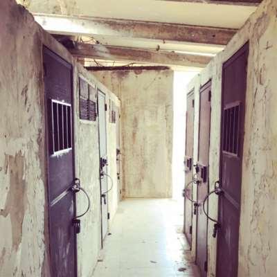 عن مصادرة الذاكرة والثقافة الإقصائيّة ... من «معتقل الخيام» إلى «بيت حمّانا»