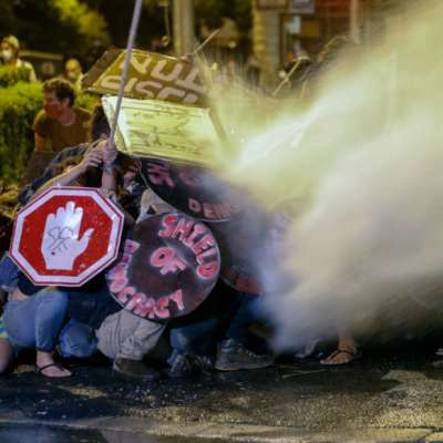 نتنياهو يستعين بـ«بلطجيّته» ضدّ المتظاهرين!