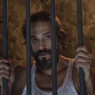 الممثل المصري يرفض تأدية المشاهد «الساخنة» في أعماله: ما تخفيه «حشمة» يوسف الشريف!