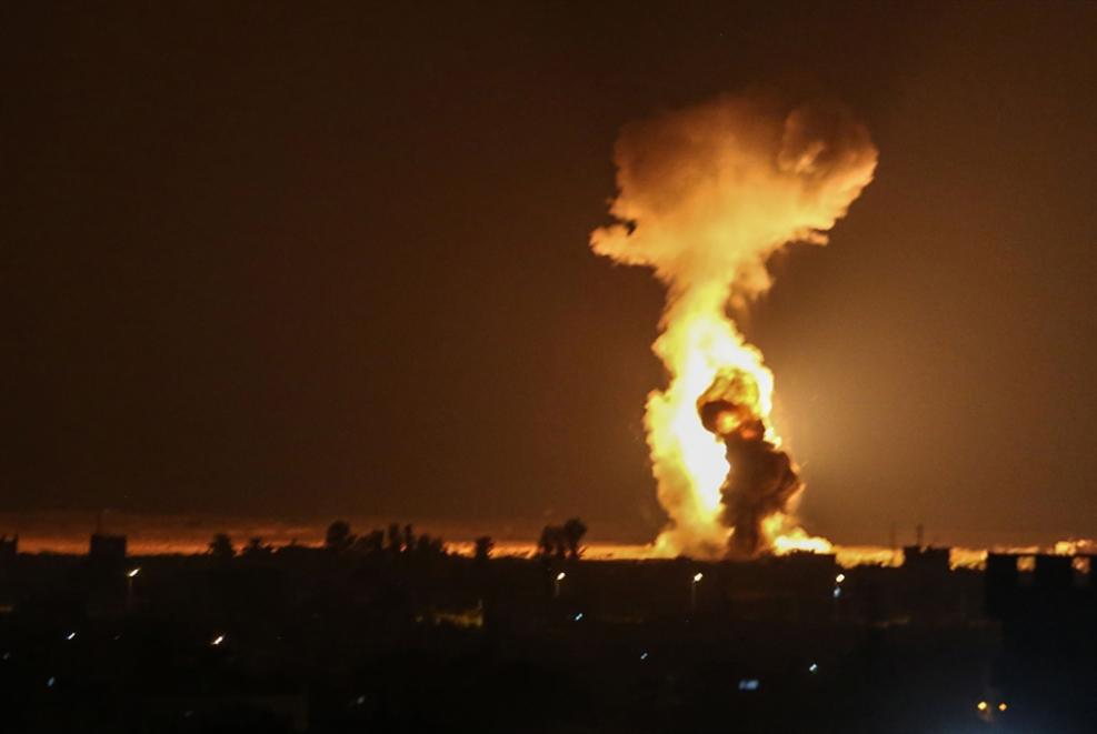بالونات غزّة تستنفر الاحتلال: منظومة «ليزر» واتصالات   مع قطر