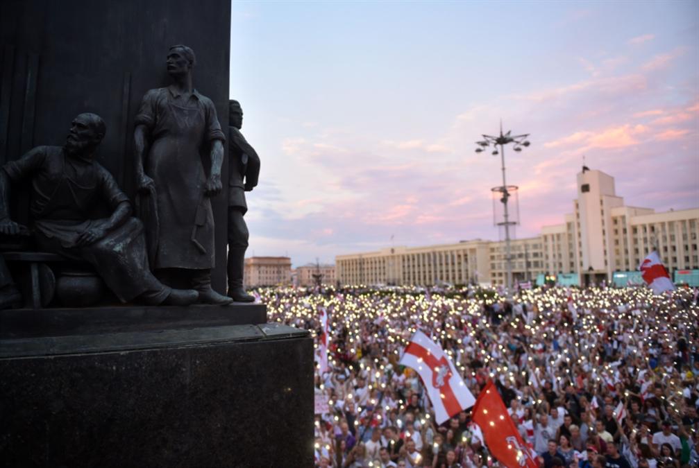 أزمة بيلاروسيا تتمدّد: الأوروبيون يَتَحدّون موسكو