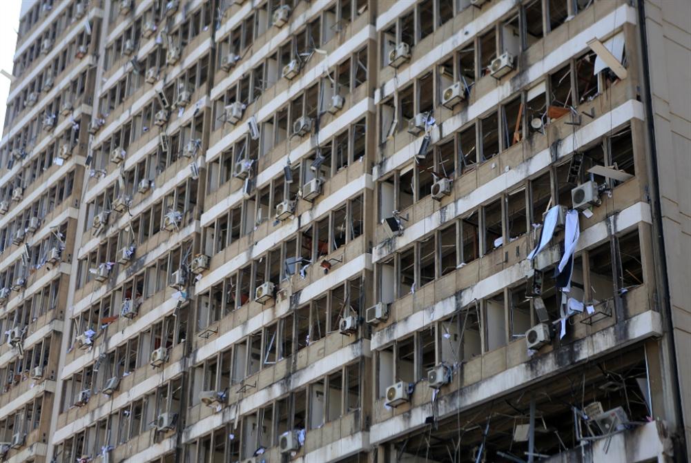 بغداد تواسي بيروت: شحنات من المازوت والقمح