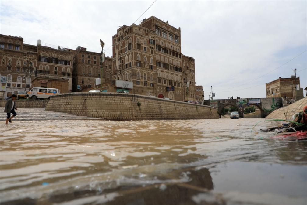 أكثر من 20 قتيلاً خلال ساعات: كارثة السيول متواصلة