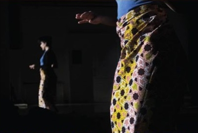 تعلّمن الرقص الأفريقي في «بيت الفنان»