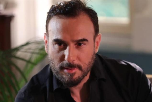 باسم مغنية إلى مصر: «أبيض وردي»