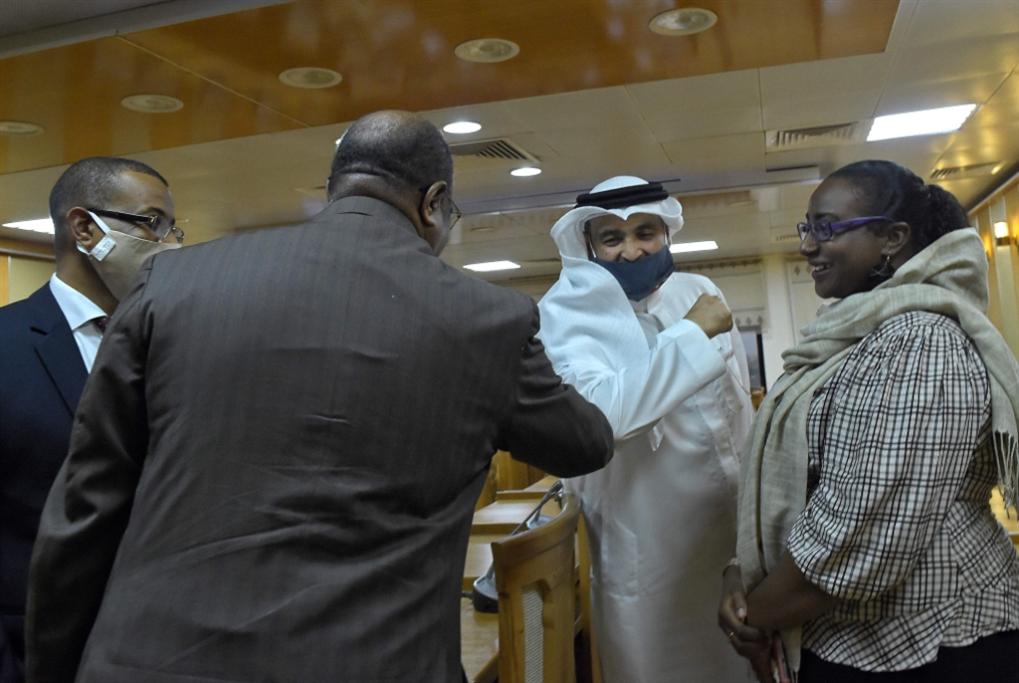 السودان على خطى الإمارات: التطبيع مقابل القمــح والنفط