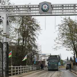 إيران تحظر دخول سائقي الشاحنات إلى قره باغ ولاشين
