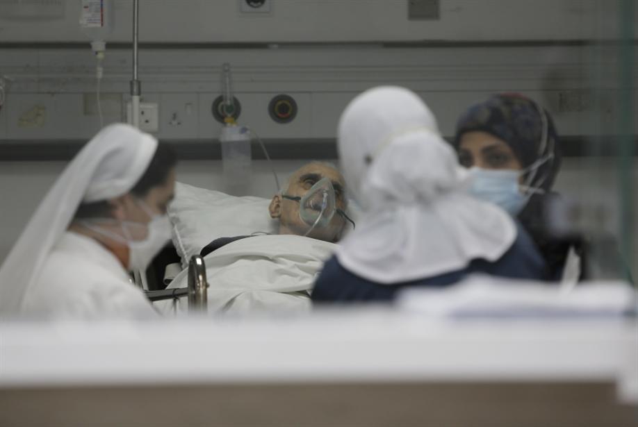 أجهزة التنفس انقطعت و«عدّاد الموت» إلى تصاعد: الفحوصات الايجابية بين الأعلى عالمياً