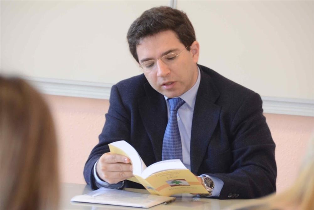 ألكسندر نجّار متوّجاً بجائزة الفرنكوفونية الكبرى