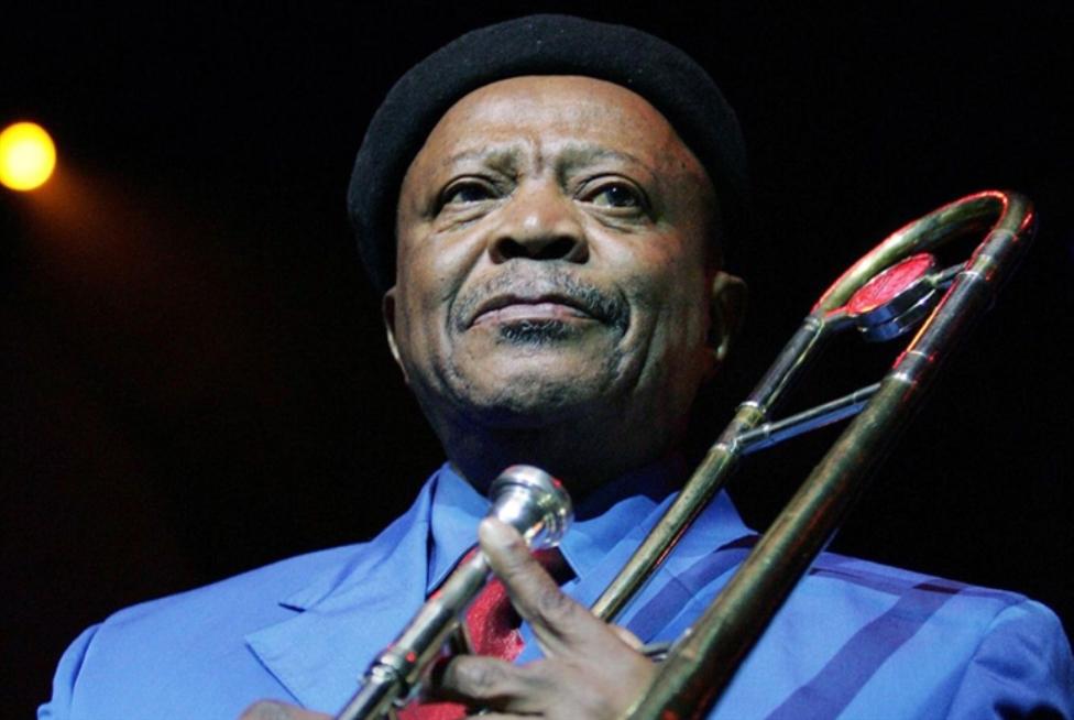 وداعاً جوناس غوانغوا... «عملاق» الجاز الجنوب أفريقي