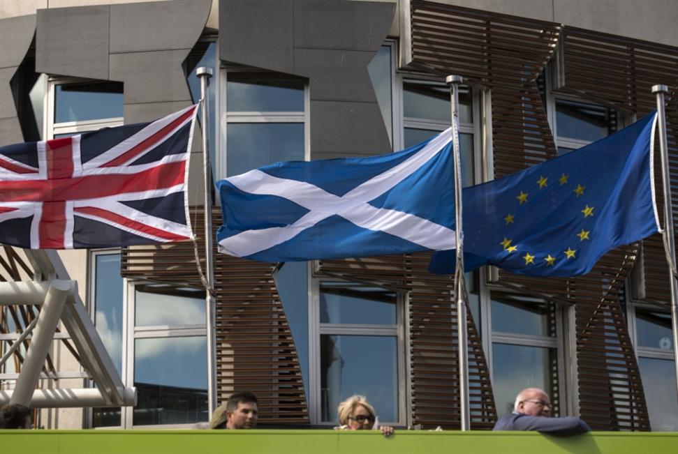 مِن سِعَة أوروبا إلى ضيق الجزيرة: بريطانيا تتقوقَع بدون نفوذ
