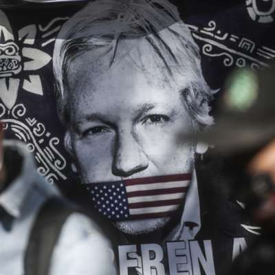 قاضية بريطانية ترفض تسليم مؤسس «ويكيليكس» إلى أميركا: أسانج قد ينجو... هذه المرّة