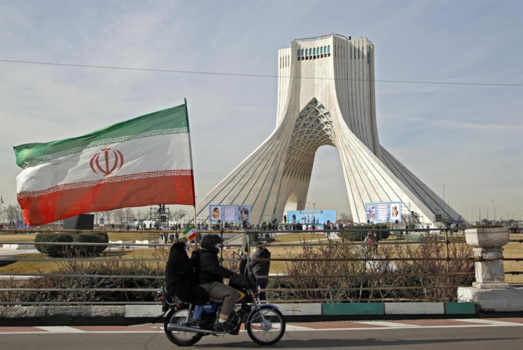 إيران تُقلّص التزاماتها النوويّة: لِتمتثلْ أميركا أوّلاً