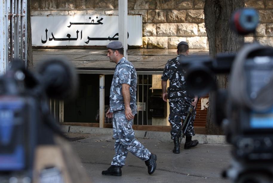 القضاء يعفو عن القضاة الفاسدين...  ويمنحهم تعويضات ورواتب
