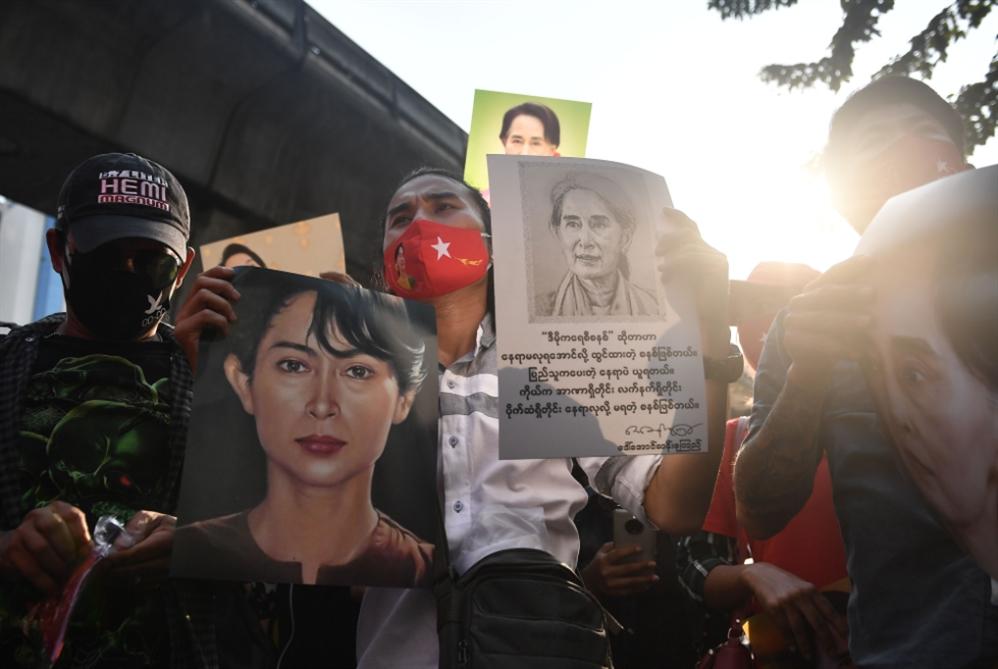 ميانمار من حكم العسكر وإليه: الغرب يبكي «ديموقراطيةً» ضاعت