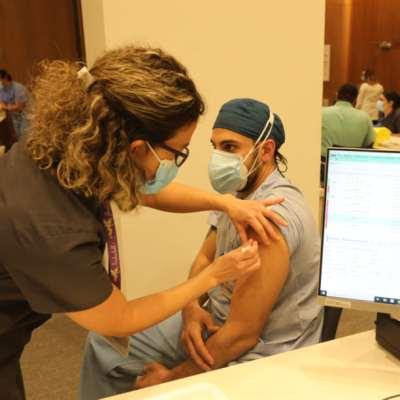 مناعة القطيع لا تمنع انتشار أيّ متحوّر جديد: جرعة واحدة من اللقاح تكفي؟