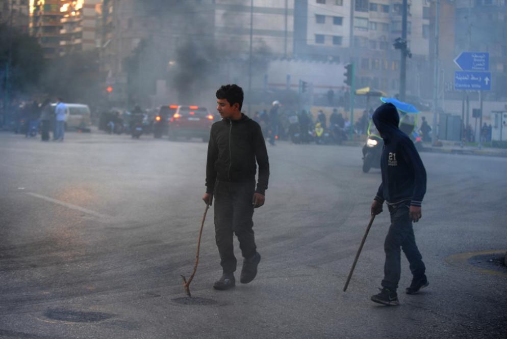 400 شخص قطّعوا أوصال البلد: قطع الطرقات بـ«رعاية» الجيش!